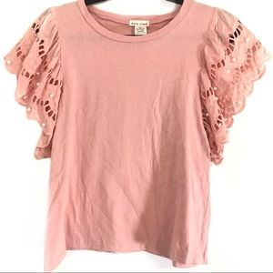 Main Strip Pearly Lace Sleeve Knit Tee